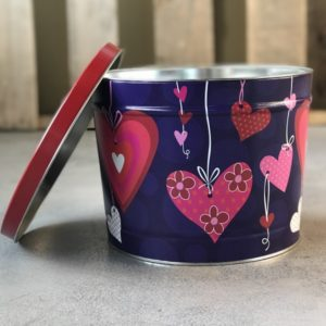2 Gallon hearts popcorn gift tin