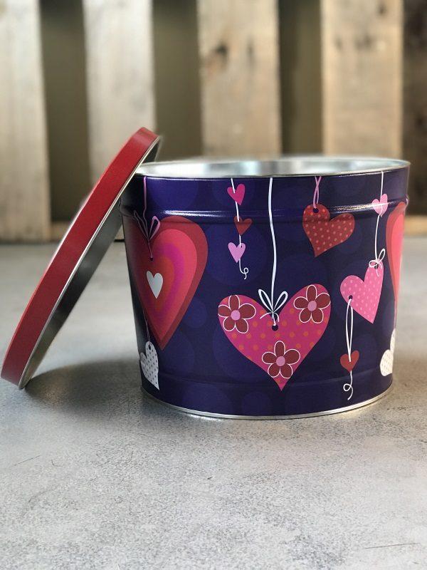 2 Gallon hearts popcorn gift tin